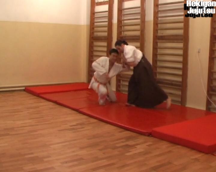 NK_12a30_Kote_Mawashi